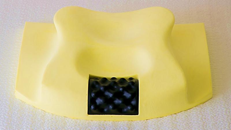 マッサージ機能付 枕 頭の重みによる負担を取り除いて、首を休める